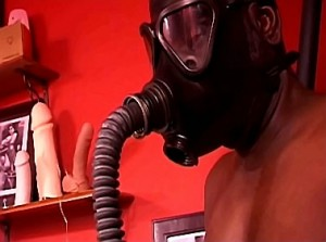 Breathplay en gasmasker training door gemene eigenares